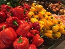 Rode en gele paprika Stock Foto's