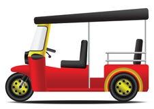 Rode en gele Thaise motordriewieler met witte achtergrond Royalty-vrije Stock Foto's