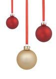 Rode en gouden Kerstmisballen stock foto's