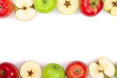 Rode en groene die appelen op witte achtergrond met exemplaarruimte worden geïsoleerd voor uw tekst, hoogste mening Vlak leg patr Royalty-vrije Stock Foto's