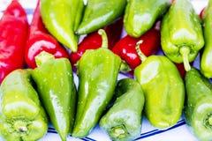 Rode en Groene Groene paprika's Royalty-vrije Stock Foto's