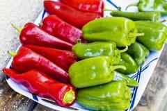 Rode en Groene Groene paprika's Stock Afbeelding
