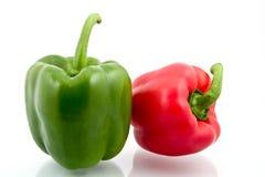 Rode en groene zoete paprika Stock Fotografie