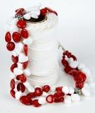 Rode en witte geparelde halsband Royalty-vrije Stock Fotografie