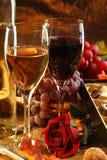 Rode en witte wijn. stock foto
