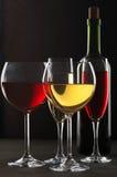 Rode en witte wijn Royalty-vrije Stock Afbeeldingen