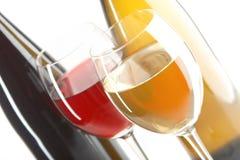 Rode en witte wijnen Stock Afbeelding
