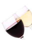 Rode en witte wijnglazen Stock Fotografie