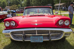 1960 Rode Ford Thunderbird-hardtop convertibel Front View Stock Afbeelding
