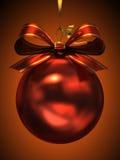Rode geïsoleerdeg Kerstmisbal Royalty-vrije Stock Afbeeldingen