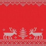 Rode gebreide sweater met herten gebreid patroon Royalty-vrije Stock Fotografie