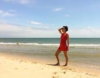 Rode geklede vrouw Royalty-vrije Stock Afbeeldingen