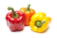 Rode Gele en Oranje Groene paprika's op Geïsoleerdet Whi Royalty-vrije Stock Fotografie