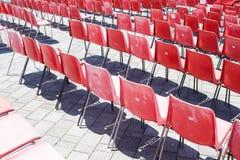 Rode gevoerde stoel Stock Fotografie