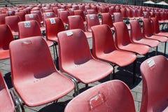 Rode gevoerde stoel Stock Afbeeldingen