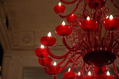 Rode glaskroonluchter Stock Afbeeldingen