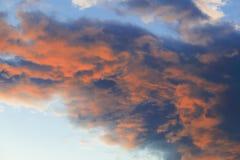 Rode gloeiende wolken in Stowe, Vermont, de V.S. Royalty-vrije Stock Afbeelding