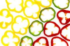 Rode, Groene en Gele Spaanse pepersplakken die op een witte achtergrond worden gescheiden royalty-vrije stock foto