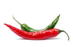 Rode groene geïsoleerdew Spaanse peperpeper Stock Afbeeldingen