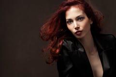 Rode haarvrouw stock foto
