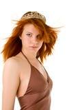 Rode haired vrouw met tiara Stock Foto's