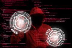 Rode hakker die met een kap een computer infiltreren door cirkelcontroles Royalty-vrije Stock Fotografie