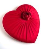 Rode hart-vormige doos stock afbeeldingen