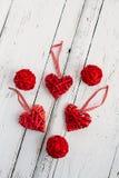Rode harten op een witte achtergrond Stock Foto's