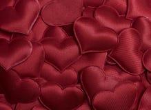 Rode harten voor de achtergrond van de valentijnskaartendag Stock Foto