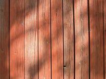 Rode houten muur - Achtergrond Stock Afbeeldingen