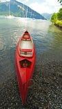 Rode kano Royalty-vrije Stock Afbeeldingen