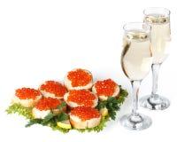 Rode kaviaar en champagne Royalty-vrije Stock Afbeeldingen