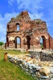 Rode kerkruïnes Royalty-vrije Stock Afbeeldingen