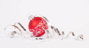 Rode Kerstmisbal Stock Afbeeldingen