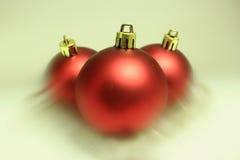 Rode Kerstmisbollen Stock Afbeeldingen