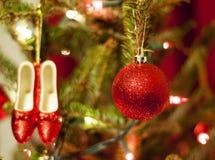Rode Kerstmisornamenten met Rode en Witte Lichten Royalty-vrije Stock Foto