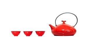 Rode Ketel en koppen - met het knippen van weg Royalty-vrije Stock Fotografie