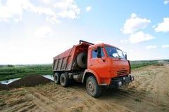 Rode kipwagen stock foto's