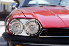 Rode Klassieke Autokoplampen royalty-vrije stock afbeeldingen