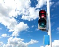 Rode kleur op het verkeerslicht voor voetganger Stock Foto