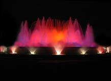 Rode kleurrijke fontein Stock Afbeeldingen