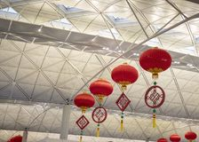 Rode lantaarns en de Chinese knoop stock fotografie