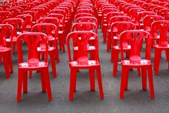 Rode Lege Stoelen Royalty-vrije Stock Foto