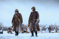 Rode Legermilitairen na de slag Stock Foto