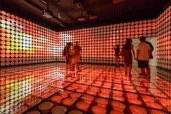 Rode lichten bij tentoonstelling binnen het Paviljoen van Spanje, EXPO 2015 Milaan Royalty-vrije Stock Afbeeldingen