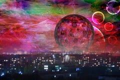 Rode maan de stad is in slaap Royalty-vrije Stock Foto