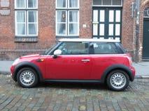 Rode Mini Cooper-auto 2013 versie in Hamburg Royalty-vrije Stock Afbeeldingen