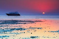 Rode overzeese zonsopgang Royalty-vrije Stock Foto