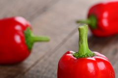 Rode paprika, groene paprika Stock Foto