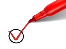 Rode pen die op de controledoos merken Stock Foto